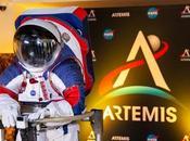 Presentate nuove tute spaziali indosseranno astronauti della missione Artemis quando torneranno sulla Luna 2024 dovrebbero essere pronte entro