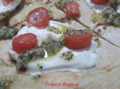 Piadine esubero lievito madre pomodorini, burratine pesto basilico