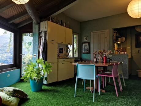 Ho messo il prato in casa per creare una stanza sbalorditiva!