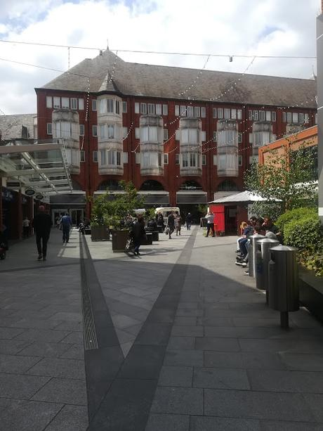 Ealing Broadway Shopping Centre, centro commerciale tranquillo ma fornito a Londra!