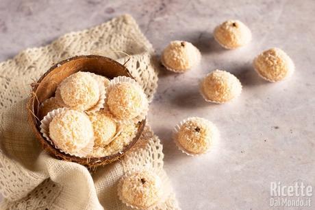 Beijinhos, dolcetti al cocco brasiliani