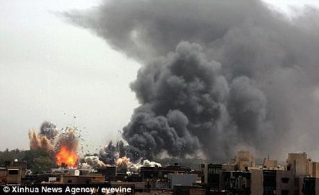 Risultati immagini per bombardamenti a tripoli