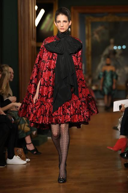 THE DARK ROMANCE TREND FOR FALL 2019