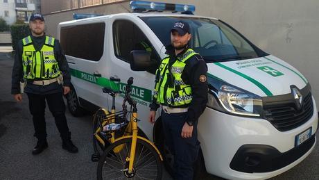 #Buccinasco Gira su una bici Ofo manomessa: denunciato per ricettazione dalla polizia locale