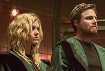 """""""Arrow 8"""": anticipazioni sulla missione in Russia di Oliver e Mia"""