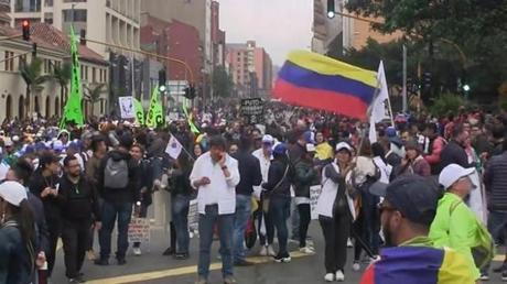 Risultati immagini per sciopero in colombia