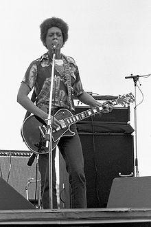 http://upload.wikimedia.org/wikipedia/commons/thumb/a/a4/Blondie_chaplin_79.jpg/220px-Blondie_chaplin_79.jpg