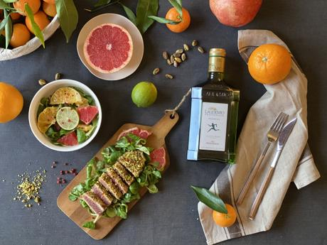 Tonno tataki ai pistacchi con insalatina di agrumi al Laudemio Frescobaldi