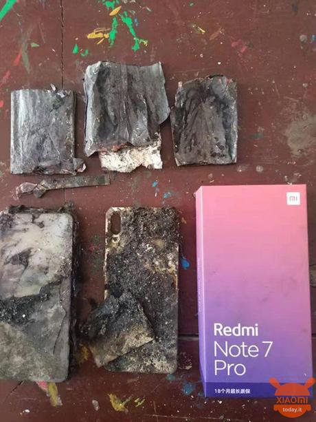 redmi note 7 pro prende fuoco