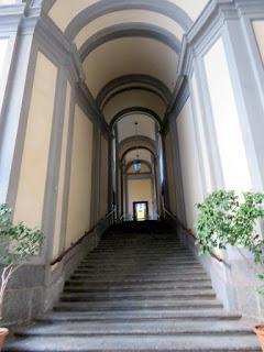 Napoli: in giro per Chiaia (2)