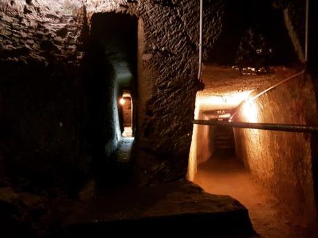 Le viscere di Napoli aprono le porte: viaggio straordinario nella città sotterranea