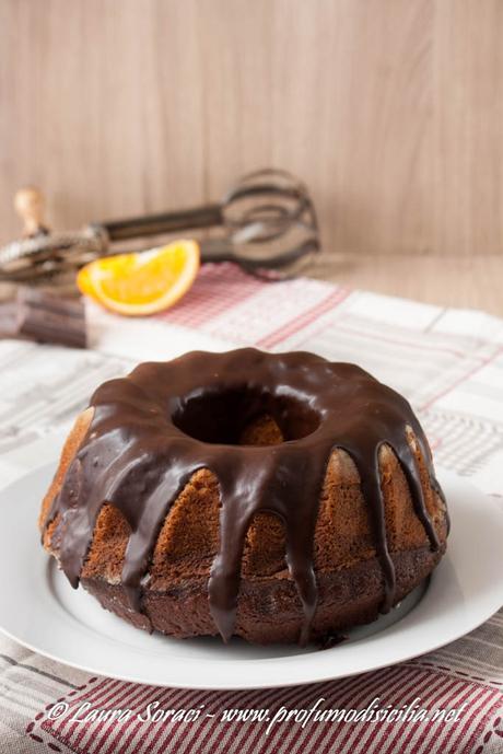il ciambellone arancia e cioccolato