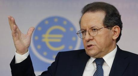 """Le banche creano moneta """"dal nulla""""? L'ex vicepresidente della BCE spiega cosa significa"""