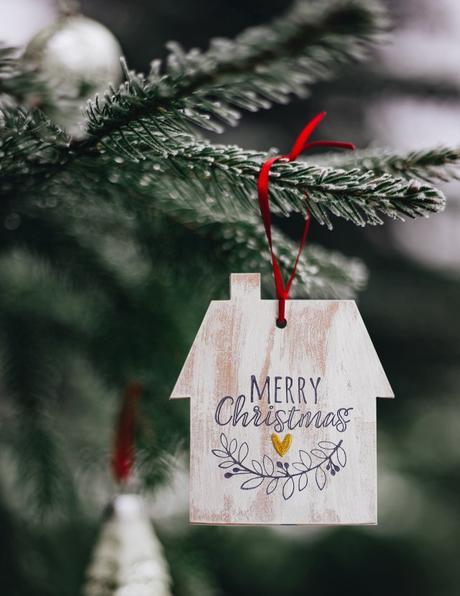 Natale fatto a mano|Casetta in finto legno per una Decorazione natalizia fai da te