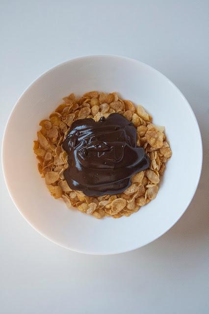 Rose del deserto al cioccolato, i dolcetti con corn flakes senza cottura