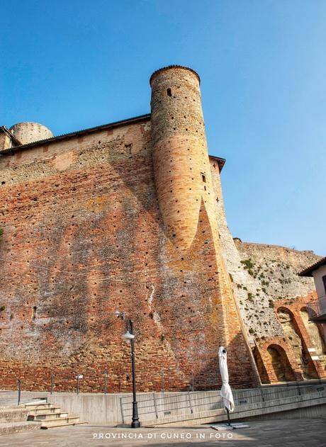 Fotografie Castello di Castiglione Falletto - Langhe