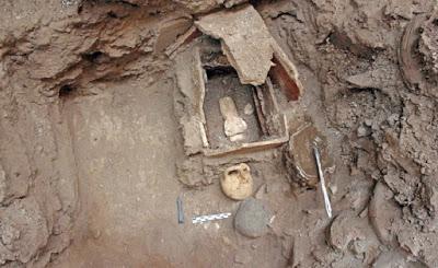 Santorini, scoperte dai nuovi scavi