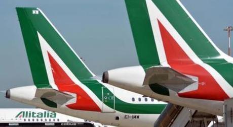 Alitalia, una reliquia che divora miliardi di euro