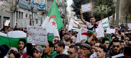 Risultato immagini per manifestazioni in algeria