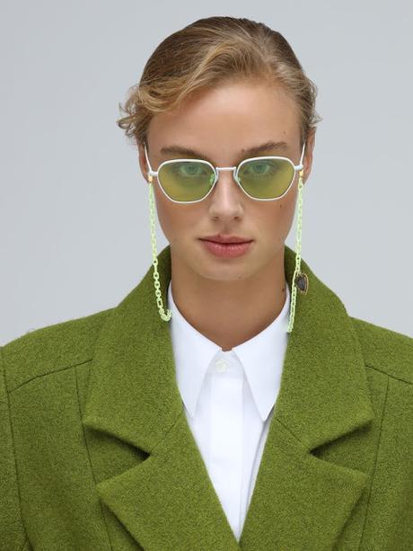 occhiali con catena tendenza occhiali con catena occhiali estate 2020 chain sunglasses strap mariafelicia magno fashion blogger color block by felym fashion blogger italiane fashion blog italiani italian fashion bloggers