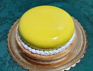 Torta mimosa moderna.