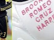 David Beckham porta nomi figli sulle scarpe inclusa Seven Harper