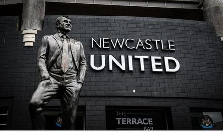 Coronavirus, paradosso Newcastle: stipendio garantito ai calciatori, dipendenti in disoccupazione