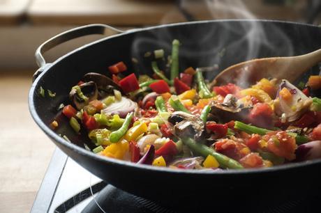 Il wok: come usarlo? Perché lo consiglio in cucina?