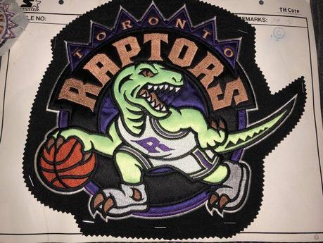 Tutto quello che devi sapere sulla maglia dei Toronto Raptors