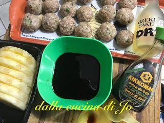 Polpette di vitello con ananas e salsa teriyaki