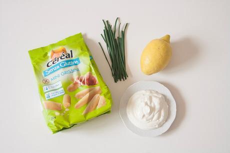 Salsa fresca allo yogurt greco con mini grissini Céréal
