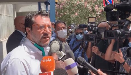 Matteo Salvini cavalca la polemica contro Mimmo Parisi e finisce per difenderlo