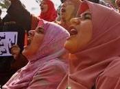 Cairo: nuovamente guerriglia scontri piazza Tahrir