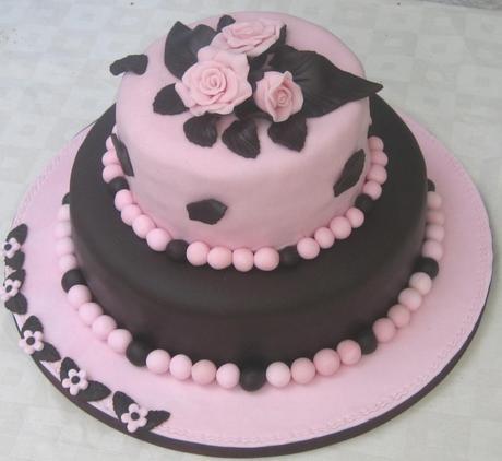 Torta rose e cioccolato paperblog for Torte di compleanno a due piani semplici