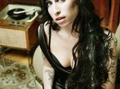 Russel Brand dedica lettera all'amica Winehouse