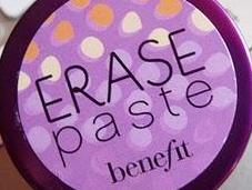 Correttore Erase Paste, Benefit