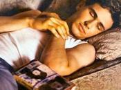 James Franco dorme solo divano… (Quasi) come