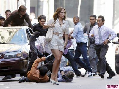 Jennifer Lopez sul set di Papi: tutti gli uomini ingrifati