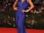 Manuela Arcuri carpet Venezia abito Roberto Cavalli