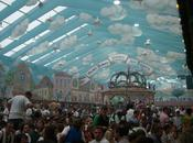 Hacker-Festzelt stand dell'Oktoberfest serve famosa Hacker Pschorr. Tutte info curiosità