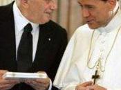 Vaticano scende campo risolvere problema Berlusconi