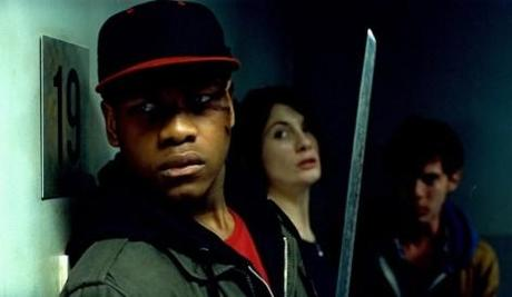 Attack the block – these fucking aliens!