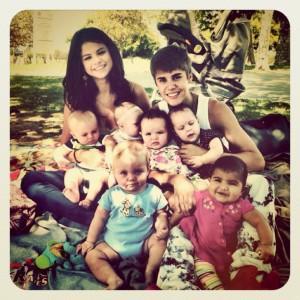 Prova di famiglia per Justin Bieber? E' solo una istantanea!
