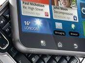 Motorola FLIPOUT MOTOBLUR: perfettamente tascabile grazie all'esclusivo design quadrato