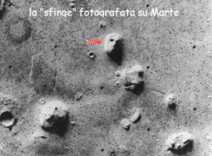 http://m2.paperblog.com/i/60/605080/filmato-che-rileva-attivita-ufo-sulla-luna-e--L-P74Lyb.jpeg