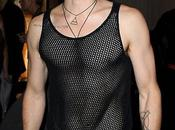 Yves Saint Laurent: Jared Leto alla sfilata maglietta traforata