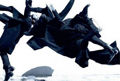 Bagnato su Vogue  Taylor Lautner  backstage in the waterTaylor Lautner In The Water