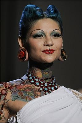 SPRING/SUMMER 2012 : TRA PIERCING E TATTOO