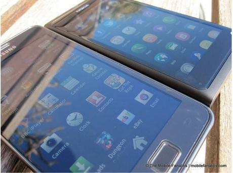 Galaxy S II / S2 Vs. Nokia N9 : Uno sguardo approfindito al display e al browser – Video e foto
