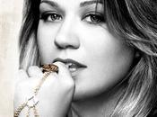 """Kelly Clarkson, grintosa forte """"Stronger"""""""